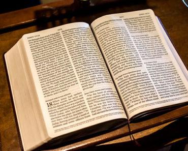 Soñar Con Biblia
